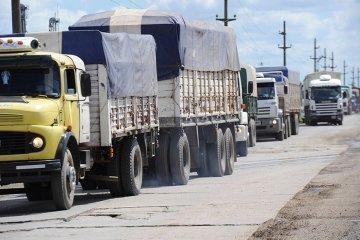 """Transportistas de Concordia afirman que los costos se dispararon y está en peligro """"la paz social"""""""