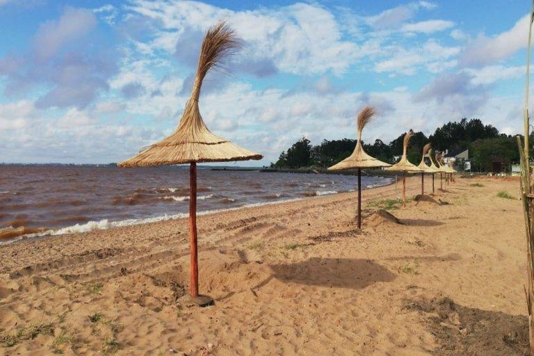 Se colocaron nuevas palmeras y sombrillas artesanales, entre otras novedades.