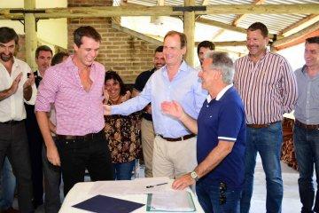 Obras de pavimentación y viviendas fueron acordadas entre el Municipio y la provincia para Concordia