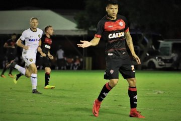 El concordiense Walter Bou podría regresar al fútbol argentino