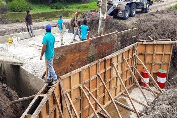 Se construye tres obras de arte sobre afluentes en el departamento Federal
