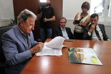 Provincia formalizó el convenio con los municipios para subsidiar el transporte urbano