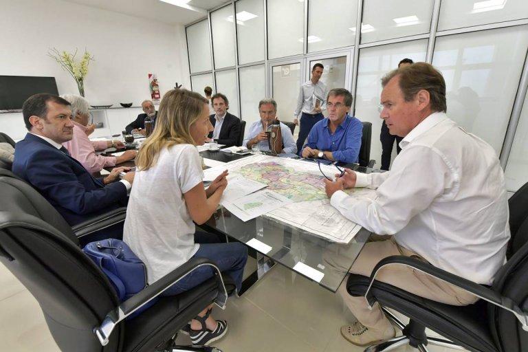 Bordet reunió a todo su equipo y habló de la creciente del río Uruguay.