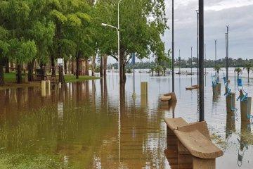 El municipio confirmó que dos familias solicitaron ser evacuadas