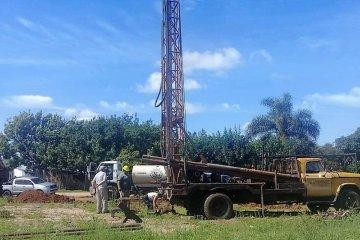 Culminaron la segunda perforación de un nuevo pozo de agua en el barrio Agua Patito