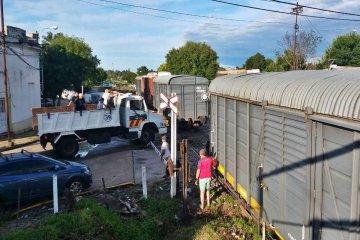 Vagones del ferrocarril fueron dispuestos para alojar evacuados del barrio Puerto