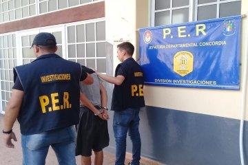 La policía logró capturar a un sospechoso de robo