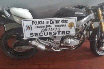 Aprovechaban Facebook para intentar vender una moto robada