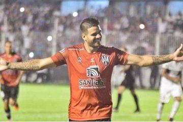 Diego Jara estará en el partido entre Colegiales y Unión