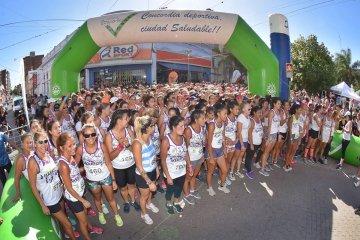 Con cupos agotados se corrió la X Maratón de la Mujer
