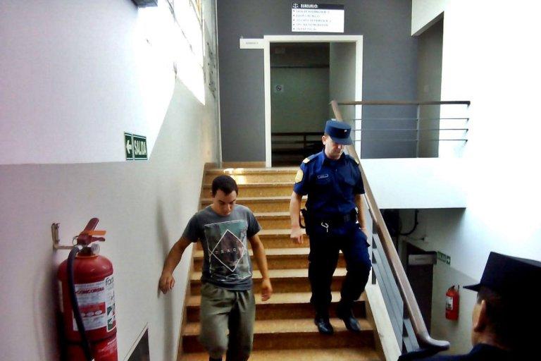 El imputado seguirá con prisión domiciliaria.