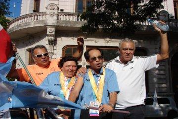 Una importante caravana recibió a los destacados atletas olímpicos concordienses