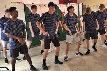 Estudiantes de Nueva Zelanda comparten tradiciones en una escuela de Concordia