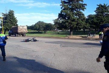 Un camión fue secuestrado tras protagonizar un siniestro con una motocicleta