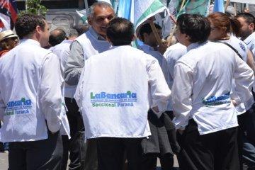 "Bancarios lograron un aumento del 19,5% como adelanto de ""emergencia"""