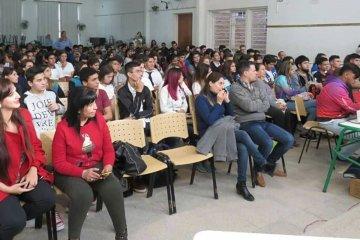 Gran convocatoria de estudiantes en el lanzamiento del Senado Juvenil en Concordia