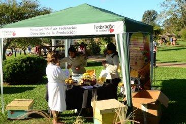 Turistas y lugareños degustaron productos regionales en la Semana de la Miel