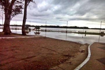 Las lluvias alteraron las alturas esperables para el río Uruguay sobre el puerto local