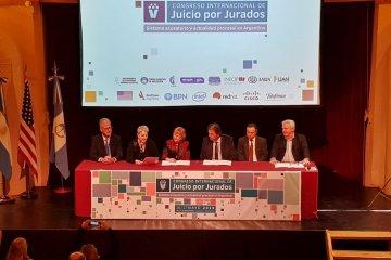 Se firmó un convenio para investigar la implementación del Juicio por Jurados en Entre Ríos