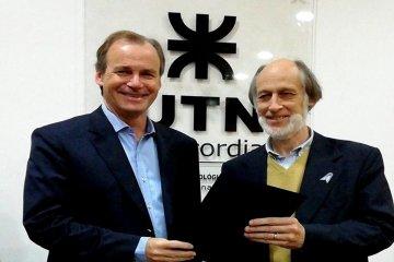 Bordet visitó la UTN Concordia y entregó un aporte económico
