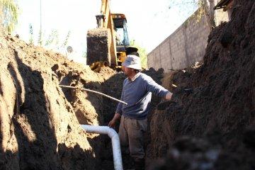 CAFESG lleva un 45% de avance en su obra de cloacas en el barrio Pompeya Sur