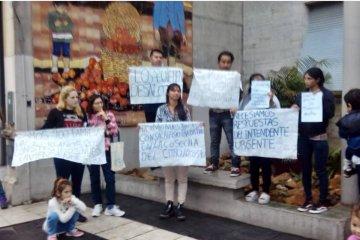 Vecinos del barrio Pampa Soler se manifestaron por un pedido de desalojo