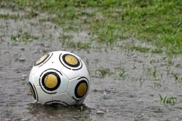 Las condiciones climáticas obligaron a suspender la jornada del fútbol local