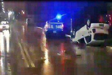 Un auto quedó con sus ruedas hacia arriba en un espectacular vuelco sobre avenida San Lorenzo