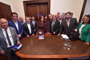Cristina Fernandez, Urribari y Cresto se reunieron con productores y dirigentes del sector citrícola