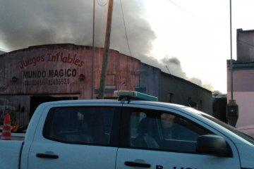 Se desató un incendio en una vivienda y su propietario resultó herido