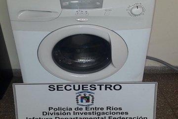 Mediante un allanamiento recuperan un lavarropas robado y secuestran cartuchería