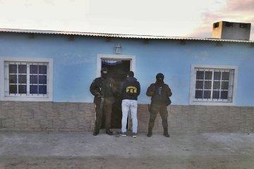 En un allanamiento policial se secuestró más de 80 envoltorios de cocaína