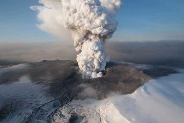 """En el Día del Meteorólogo hubo desconcierto por """"presencia de ceniza volcánica"""" en Concordia"""
