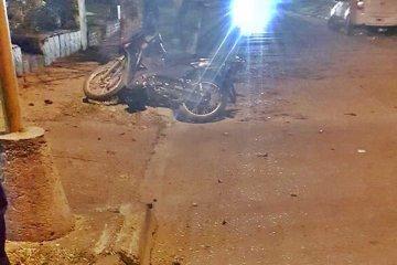Derrapó con su moto y terminó siendo hospitalizado con graves secuelas en su cabeza