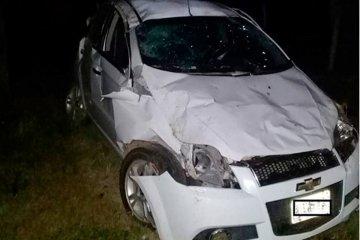 Un conductor perdió la vida tras impactar su auto contra un árbol