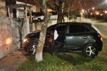 Impactó su vehículo contra un tapial con 1.79% de alcohol en sangre