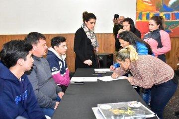 Finalmente se firmó el convenio entre ECU y el Municipio para el uso de los Galpones de Estación Norte