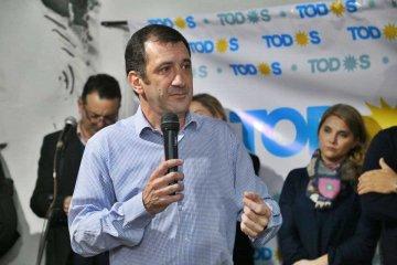 """Kueider inauguró sede y llamó revertir la """"difícil situación en la que nos pusieron las políticas nacionales"""""""