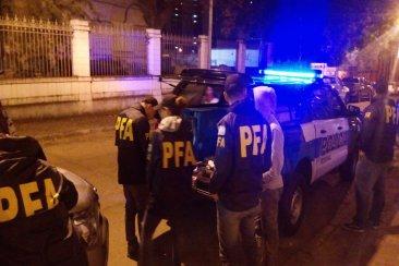 Detuvieron a un motociclista por narcomenudeo en pleno centro concordiense