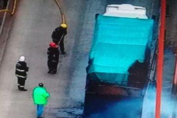 El incendio de un camión obligó a cerrar el tránsito del complejo Zárate-Brazo Largo