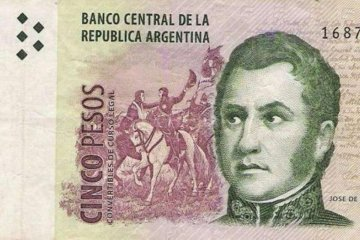 Confirmaron que los billetes de cinco pesos salen de circulación