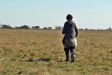 Un hombre con acento brasilero deambulaba en zona rural pero nadie sabe quién es