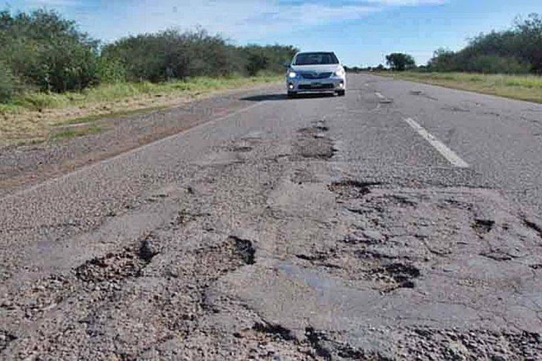 Exigen la urgente reparación de la ruta, ante un evidente deterioro.