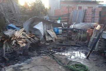 Piden ayuda tras perder todo en un incendio
