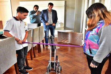 Alumnos concordienses armaron un robot y participarán de una competencia nacional