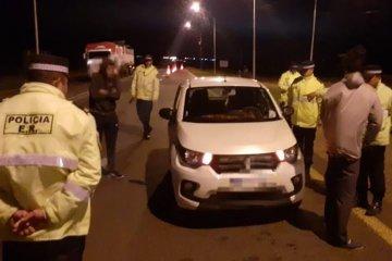 Viajaban en un remis portando droga y fueron detenidos