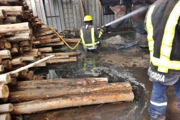 Dos incendios afectaron una misma planta ubicada en el Parque Industrial