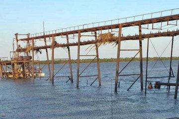 Aún no se pudo hallar al adolescente que se tiró de un muelle para nadar en el río Uruguay