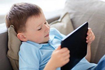 Salud advirtió sobre las consecuencias del uso prolongado de las pantallas en niños
