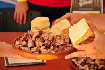 Una localidad entrerriana invita a un finde a puro asado y galleta